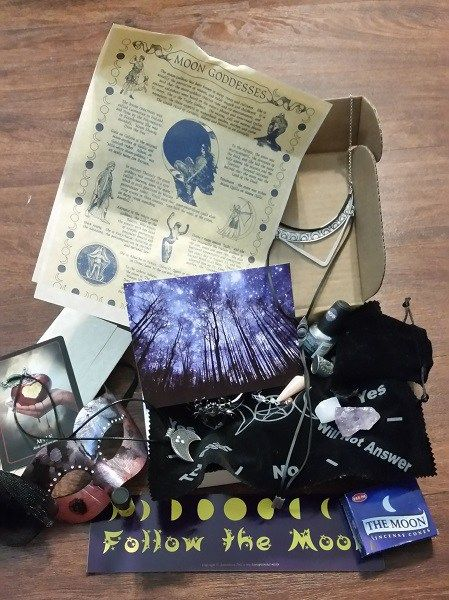 PaganPages.org - Blog Archive » Worth the Witch #paganpagesorg #business #review #pagan #shopping #store #wicca #witchcraft #blog #article #thebohobox #greatproduct #Worthit #magic #beauty #jewelry #subscription #products