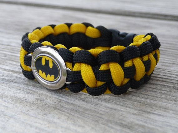 29 best images about batman iphone wallpaper on pinterest for Paracord wallpaper