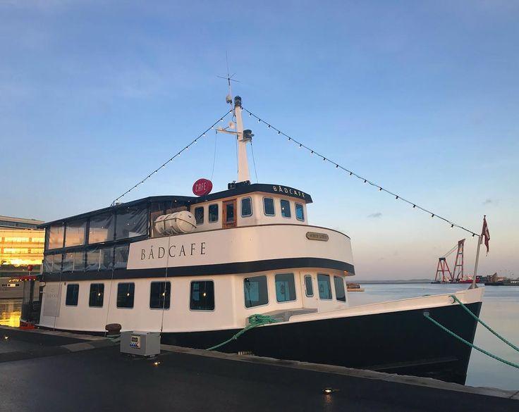 Todays recommendation is from the new trendy cafe on a boat in my city Aarhus  #danishadventurer #visitdenmark #visitaarhus #mitaarhus #bådcafe #cafe #aarhushavn #ilovedenmark