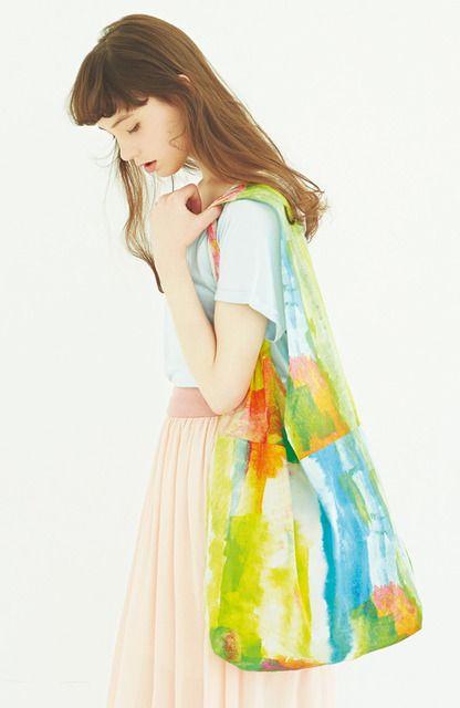 pilvee with ひがしちか 朝日を浴びたみたいな水彩画プリント布バッグ | フェリシモ