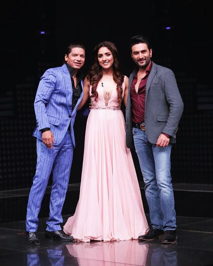 We are all set to make your evening melodious #TheVoiceIndiaKids  tonite 9 pm @shekharravjiani @singer_shaan @andtvofficial @end
