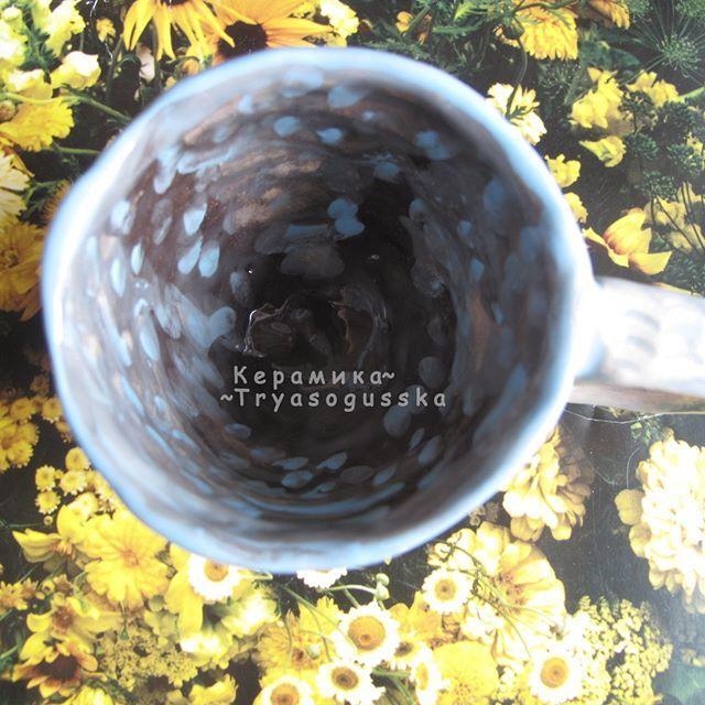 Кофейная чашка Океаническая. Белая испанская глина, ангобы, глазурь.  Керамика ручной лепки. Слеплена в начале 2017 года.    #ceramic_tryasogusska #handmade #ceramic #clay #керамика #глина #ручнаяработа #ручная_работа #хэндмэйд #tryasogusska #посударучнойработы #слепленовручную #хендмэйд #чашка #кофе #чашечкакофе #подарок