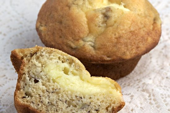 Banana Muffins Filled with Cream Cheese: Filled Banana, Cupcakes, Cheese Filled, Bananas, Banana Muffins, Baking, Cream Cheese Recipes, Dessert, Cream Cheeses