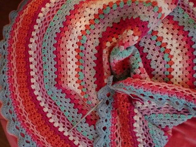 CrocheCrochet Blankets, Crochet Patterens, Crochet Ideas, Crochet Afghans, Pretty Colors, Crochet Gancho Ganchillo, Croche Hats, Crochet Motiff, Crochet Haken