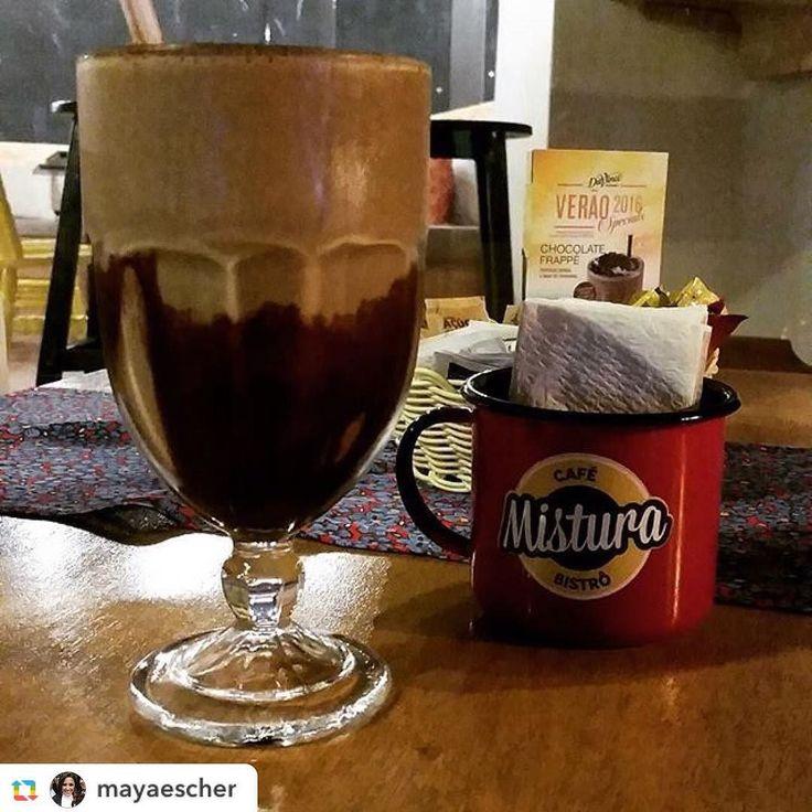 A @mayaescher já experimentou a nossa novidade de verão: Frappé de chocolate. Estamos esperando a tua visita com essa e muitas outras delícias.  #misturacafebistro #coffee #coffeshop #takeawaycoffee #nataldosanjos #frappe #cafedomercado #bistro #verão2016 by misturacafebistro