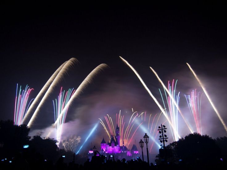 fireworks at disneyland on 4th of july