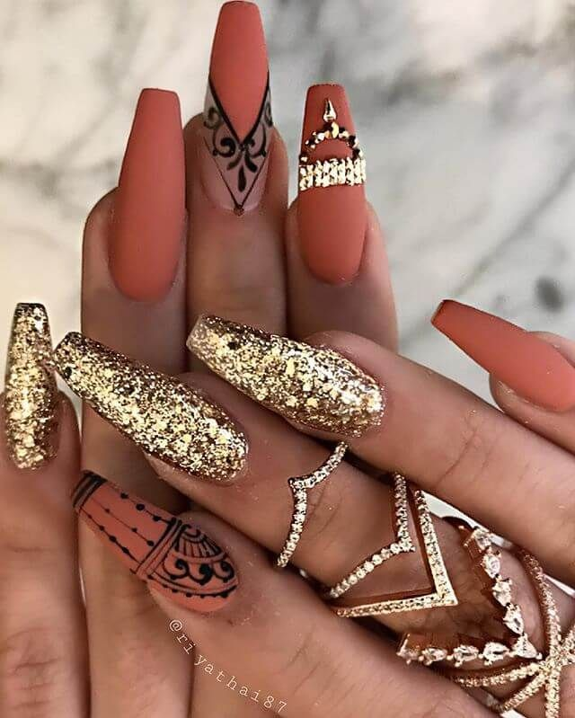 50 Top Gold Nail Design Ideas We Love – #design #the #Gold #icon #Ideas … – Nails