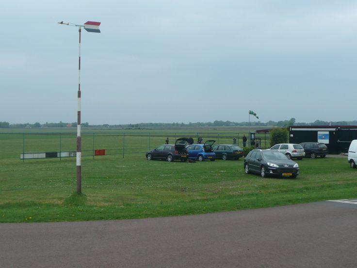 Mini vliegveldje bij de Herendijk.