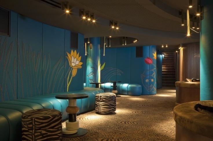 Lifestyle – Café Germain in Paris by India Mahdavi | Lighting by PSLab.