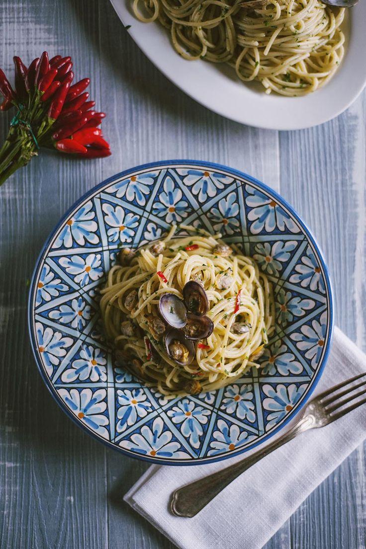 Uno dei piatti italiani più ordinati al ristorante, gli spaghetti alle vongole sono impareggiabili se fatti bene! Ti va di provare la mia ricetta?