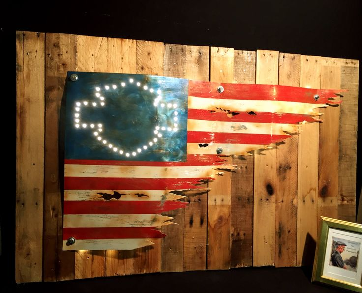 Unieke upcycling wand decoratie pallet hout paneel led verlichting Harley Davidson USA vlag S6 door AdhemarUpcycling op Etsy