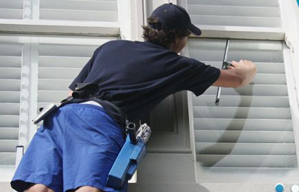 Running with an objective to provide proper window cleaning solution, Windowcleaningonline provides flawless window squeegee. Excellent design of the channels in these squeegees provides more comfort and flexibility to the cleaners while cleaning the window.
