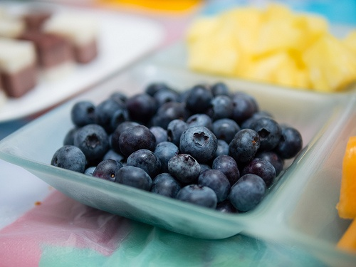 Bluerberries in a fruit platter