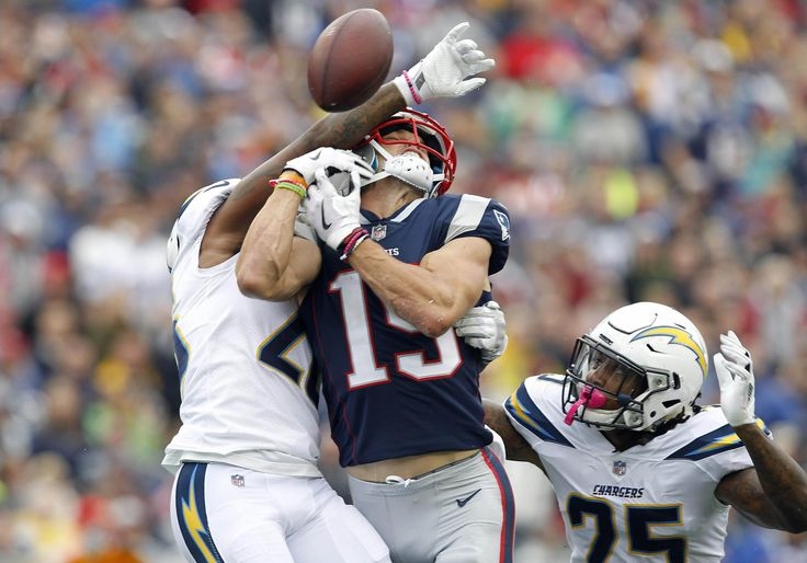 Chris Hogan leaves Gillette Stadium with right arm in sling