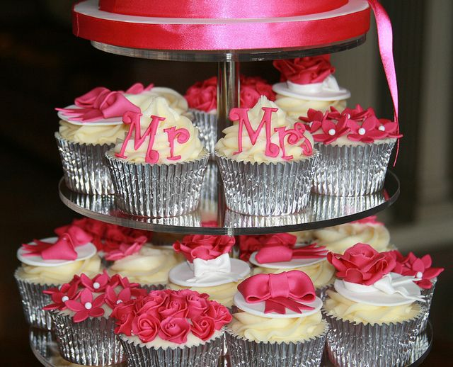 Hot Pink Cupcakes!, love the Mr. & Mrs.