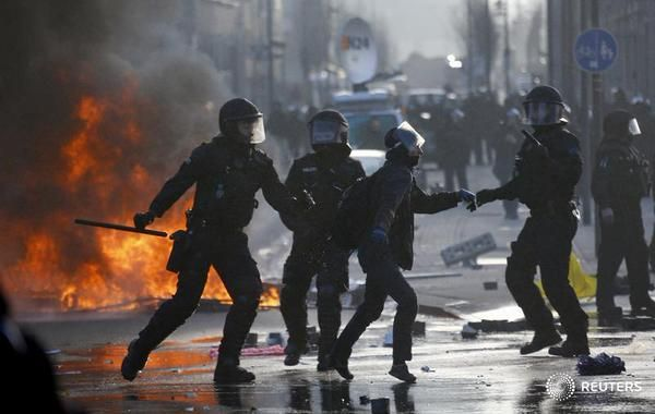 #Frankfurt #ECB #Resist #Revolt #European_Central_Bank #Indignados