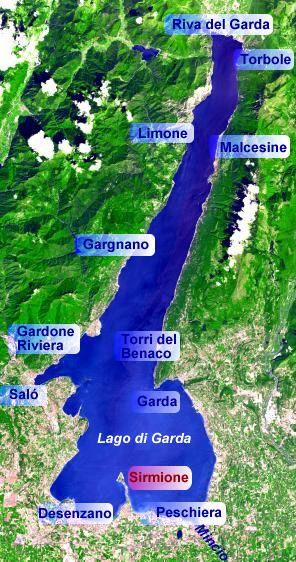 Lago di Garda e a grande turista zona circa diciotto miglio ovest di Verona. Lago di Garda ha molto attitiva, quali il surf, immersione, la pesca, bici, e il nuoto. Circostante ill ago sono molto luna park.