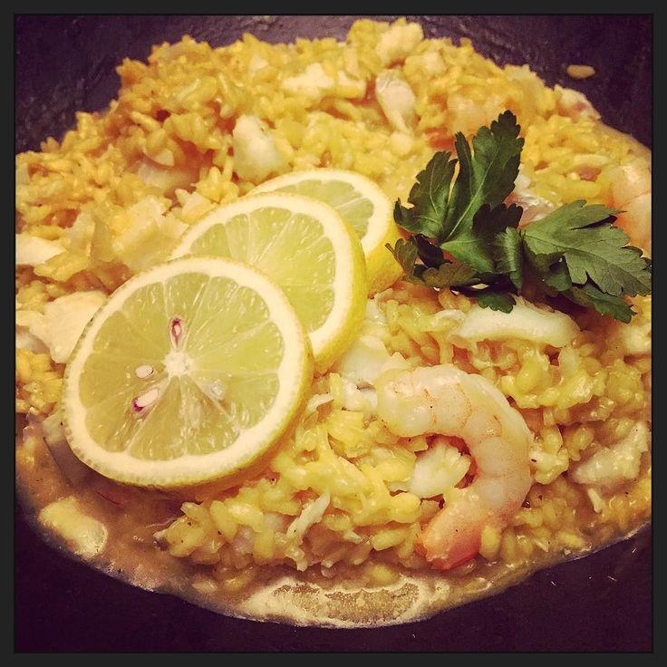 Een pan vol visrisotto... #myview #eten #foodporn #homemade