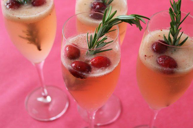 Cranberry Pear Ginger Fizz: Rosemary, ginger beer, gin, and muddled ...