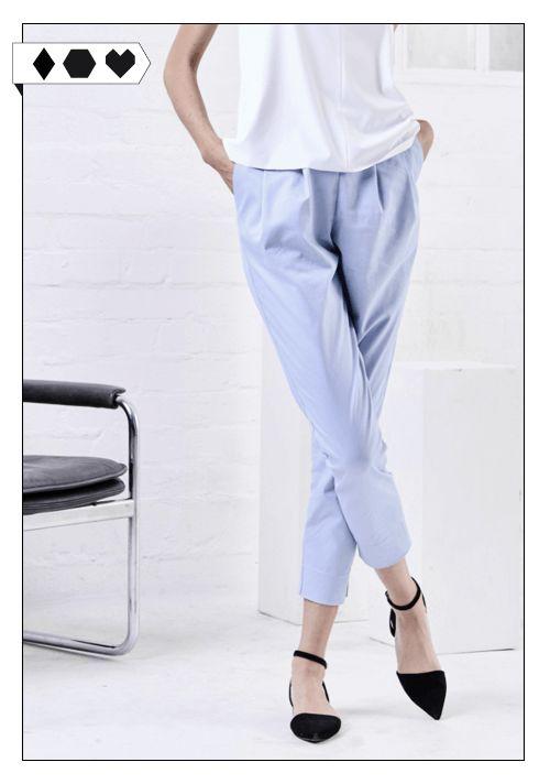 Jan n June Hose Page Light Blue: Aus 98% Organic Cotton, 2% Elasthan Twill. Unter fairen Bedingungen hergestellt in Polen.   VEGAN/ECO/SOCIAL  Mehr Fair Fashion jetzt auf sloris.de!
