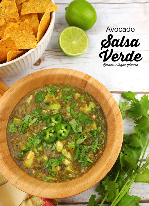 Avocado Salsa Verde – vegan, gluten-free, and perfect for snack time >> Dianne's Vegan Kitchen