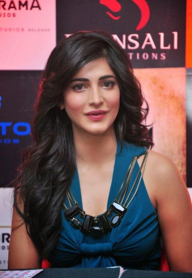 Shruti Haasan Latest Stills at Gabbar Is Back The Game Launch Photos | Bollywood Tamil Telugu Celebrities Photos