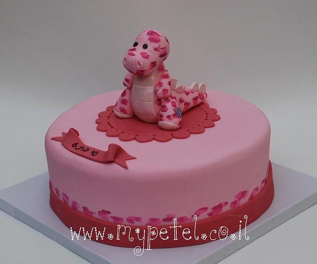 the pink dino cake  Birthday Cakes  Dino cake Dinasour
