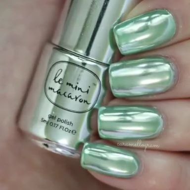 Mint chrome nails by @caramellogram