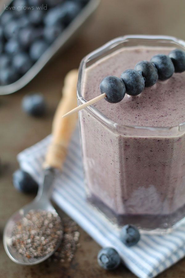 This thick, fruity Blueberry Pomegranate Smoothie is packed full of protein and healthy vitamins to keep you full and satisfied for hours! Try it as a meal replacement for breakfast or lunch!