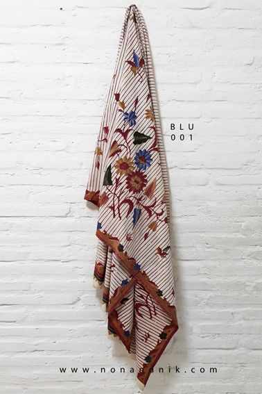 Contemporary Stripe Floral Full Batik Tulis with a touch of Encim  Length of Fabric : +/- 200 cm  Breadth of Fabric : +/- 110 cm  Material : Cotton