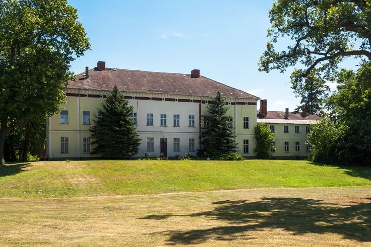Schloss Parchen, Jerichower Land  Download this and other #photos  for free on o…