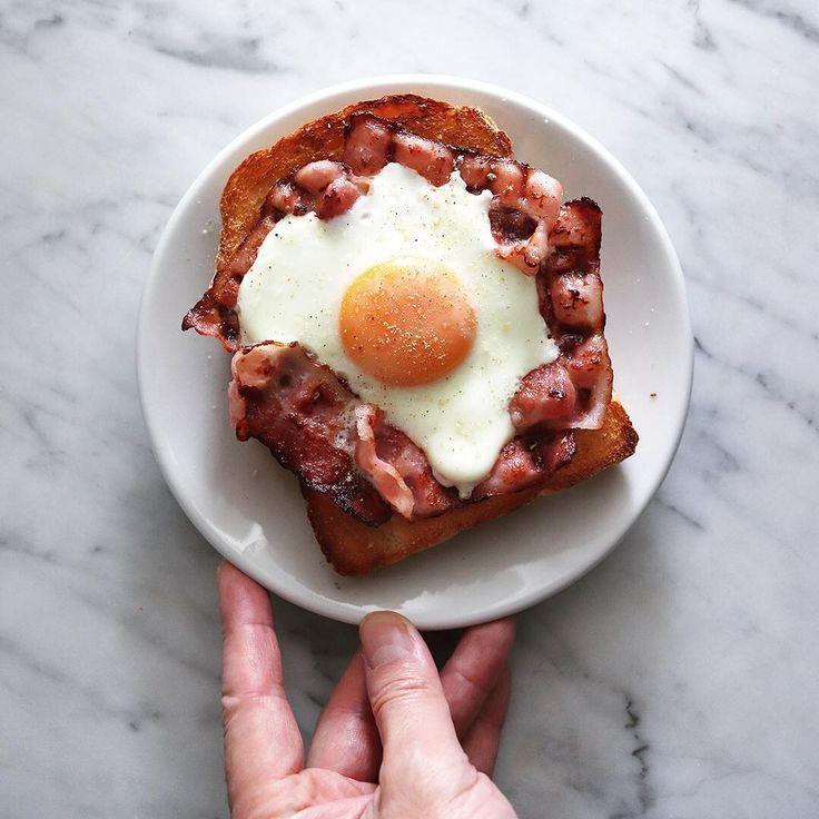 bacon & egg toast  .  今朝はベーコンエッグトースト。  .  .  #ベーコンエッグトースト #ラピュタパン #おしゃパン #ラピュタパン #ジブリ飯 #ベーコンエッグ #朝食 #あさごはん #朝時間 #朝トースト #オープンサンド研究部 #たまごら部 #toastgram #baconeggtoast #baconegg #baconandeggs #baconandegg #spoonforkbacon #toastsforall #handsinframe