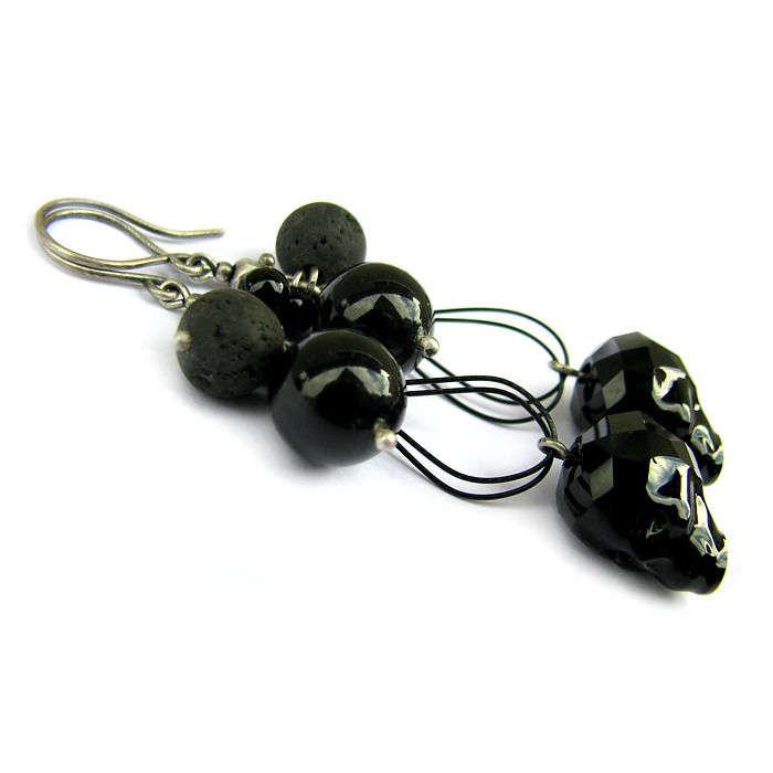 Swarovski Skulls, onyx, lava and sterling silver - handmade earrings to find on: http://marisella.pl/kolczyki-z-czaszkami-swarovskiego-hima.html