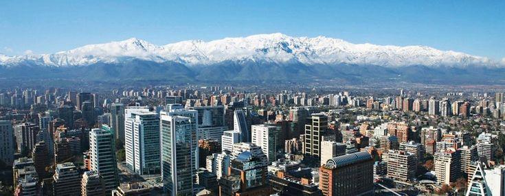 SANTIAGO – Feriado Corpus Christi 2016 - Uma bela cidade cercada pelas montanhas da Cordilheira dos Andes que oferece de passeios radicais a vinículas. Experimente e se surpreenda.#braforaturismo