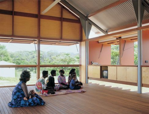 The Marika-Alderton House for an aboriginal community (Eastern Arnhem Land in the Northern Territory, Australia, 1994)