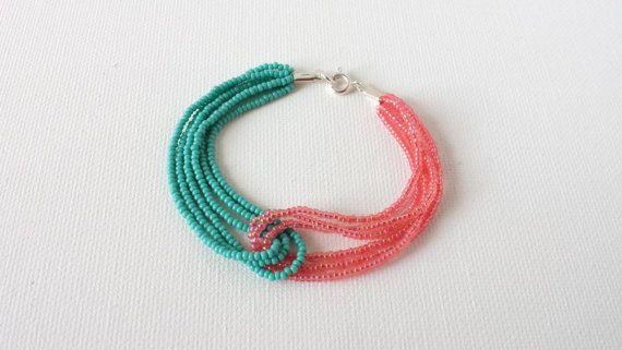 Coral y turquesa pulsera, pulsera de cuentas, pulsera coral y verde azulada, pulsera de abalorios semilla, damas de honor regalos, salmón y ...