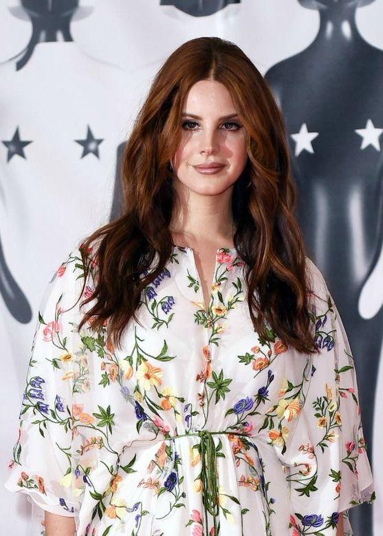 Feb.24, 2016: Lana Del Rey attends the BRIT Awards in London #LDR