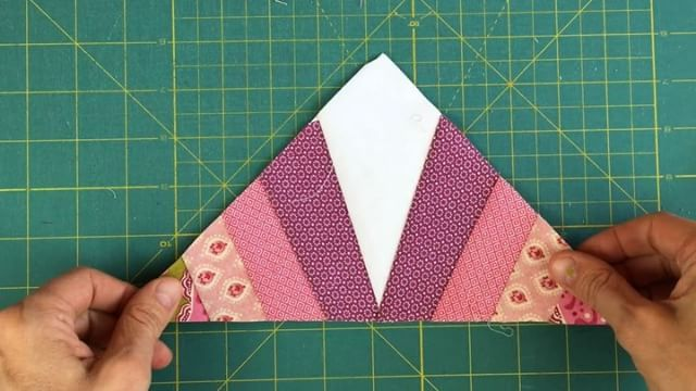 This is a foundation paper piecing block. Great for any level. Full tutorial and free template on my blog. Link in profile. #videotutorial #sewing #sewingvideo #FPP #foundationpaperpiecing #freepattern #octagon #octagonblock #octagonquilt #quilting #quilt #teresadownunder