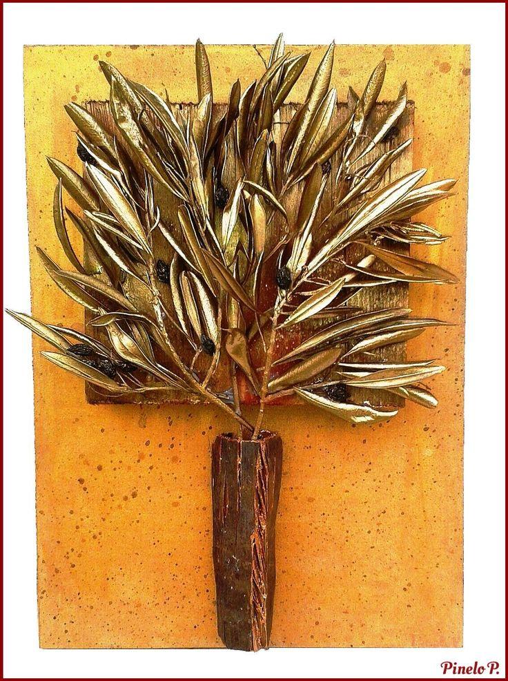 Frame with golden olive leaves! www.facebook.com/pinelokallitexnimata