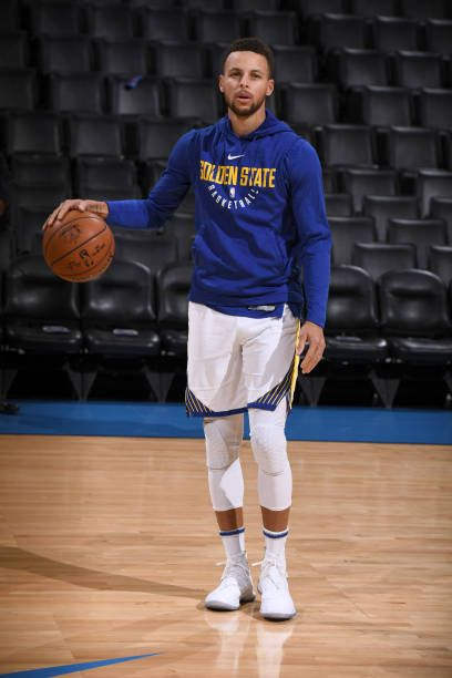 Stephen Curry of the Golden State Warriors warms up before the game against the Oklahoma City Thunder at the Chesapeake Energy Arena on November 22...