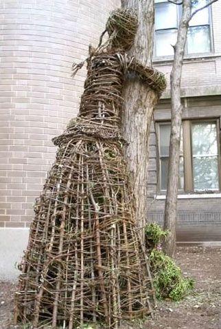 tree hugger project - sculpture by Wiktor Szostalo and Agnieszka Gradzik