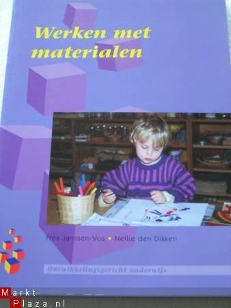 Werken met materialen (ontwikkelingsgericht onderwijs)