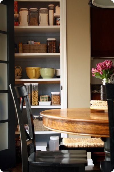wood pantry shelves rather than the wire ones. great how-to post from Thrifty Decor Chick