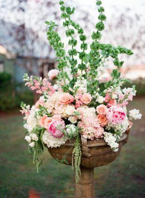 Elegant Pink Ceremony Flowers