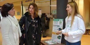 El SESCAM informa a los usuarios de los centros de salud de Guadalajara sobre las posibilidades y beneficios de pedir cita online