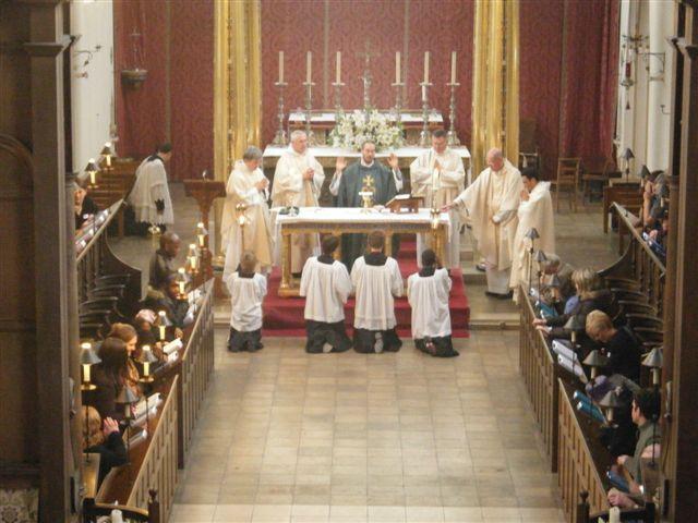 Entenda a Santa Missa nos mínimos detalhes