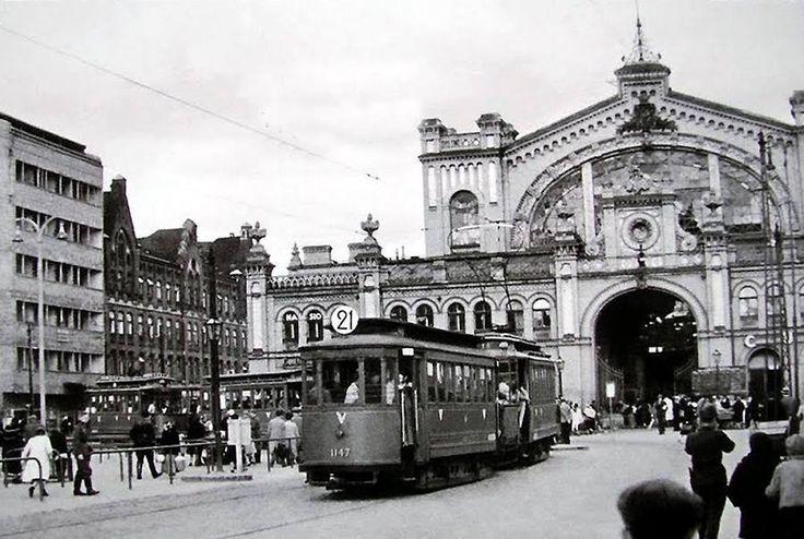 Hala Mirowska w czasie okupacji - 1941 rok https://www.facebook.com/ABCWarszawy/photos/a.1417972585