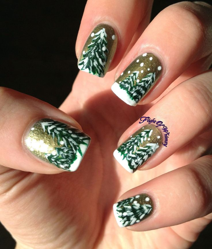 Golden Christmas. Christmas Tree Nail Art. Gold, Green(s), and White.
