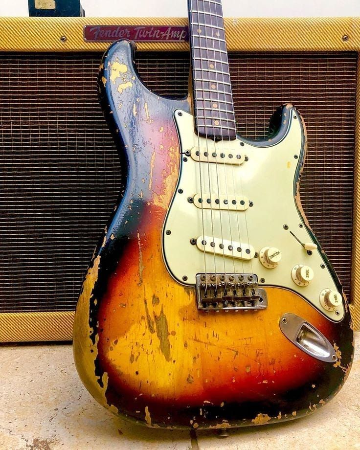 710 Likes 7 Comments Friedrich Rudemooddudehamburg On Instagram Was Too Obvious For The Guitar Quiz Guitar Fender Stratocaster Vintage Fender Guitars