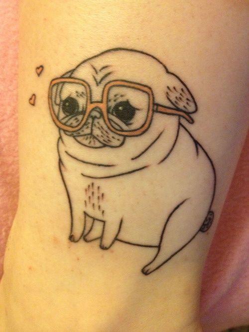 4 buoni motivi per farsi un tatuaggio con cani Carlino